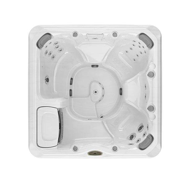 Hanover™ Hot Tub in St. Louis